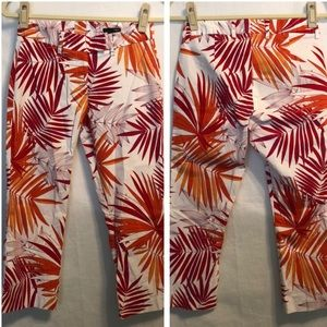 LIKE NEW H&M Tropical Cropped Palm Leaf Pants